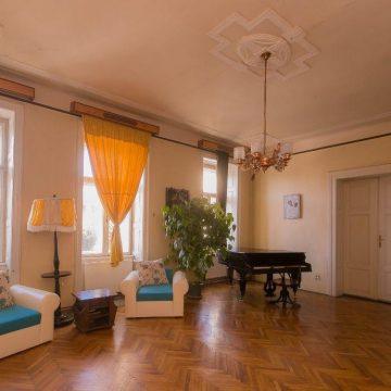 Spatiu/ Apartament 5 camere de inchiriat in zona Ultracentrala Teatru