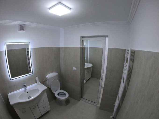 baie Spatiu comercial de inchiriat in zona Ultracentrala Podgoria
