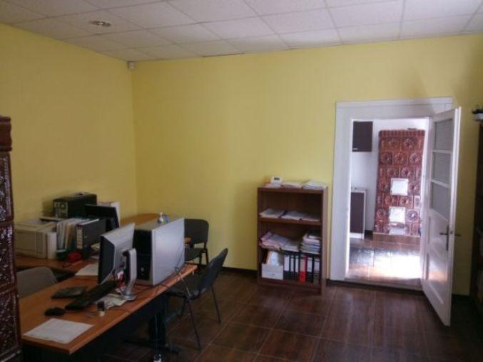 birouri hala cu birouri in zona Aradul Nou